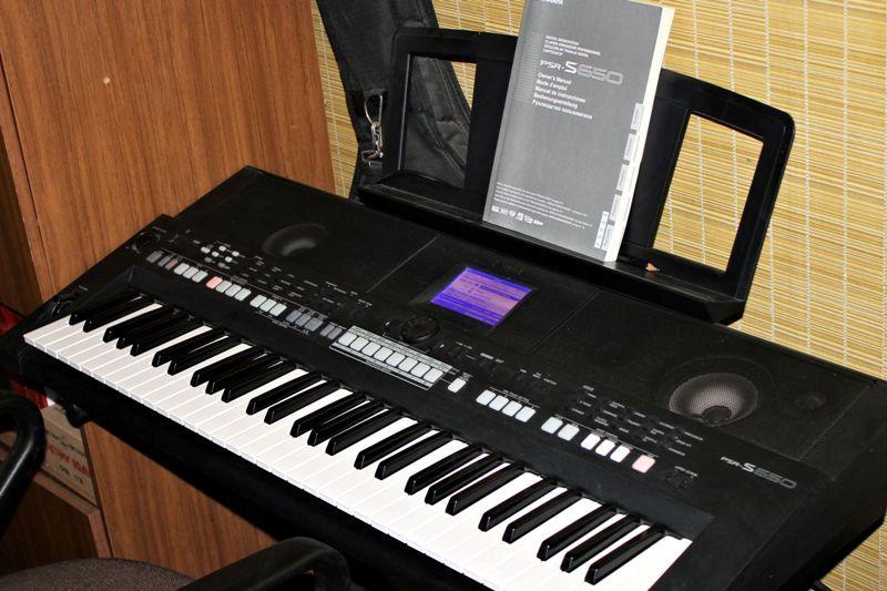 Синтезатор черный